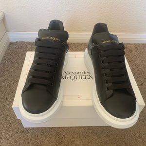 Alexander McQueen Bicolor Leather Size 44E